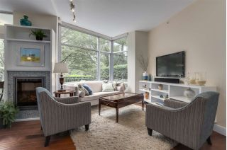 Main Photo: TH107 1288 MARINASIDE Crescent in Vancouver: Yaletown Townhouse for sale (Vancouver West)  : MLS®# R2276304