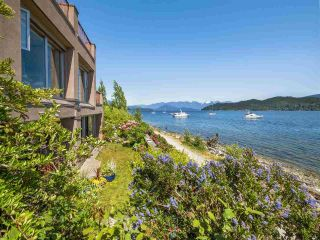 "Main Photo: 1 450 MARINE Drive in Gibsons: Gibsons & Area Townhouse for sale in ""CASA LUNA"" (Sunshine Coast)  : MLS®# R2294122"