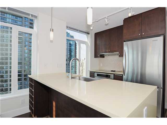 "Main Photo: 2107 888 HOMER Street in Vancouver: Downtown VW Condo for sale in ""THE BEASLEY"" (Vancouver West)  : MLS®# V919157"