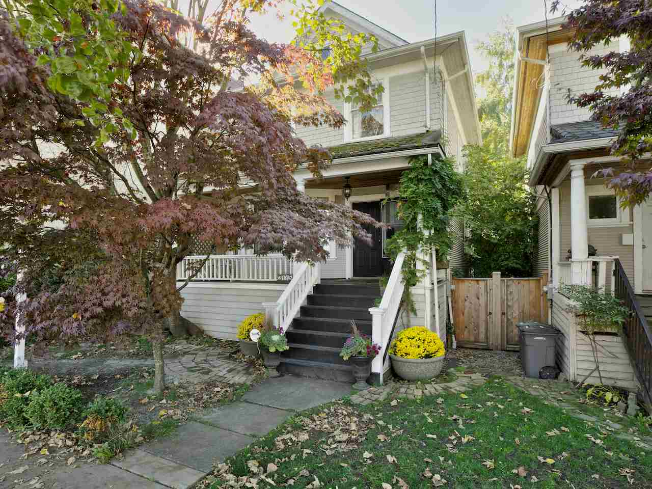 Photo 1: 2115 COLUMBIA Street in Vancouver: False Creek House for sale (Vancouver West)  : MLS(r) # R2003953