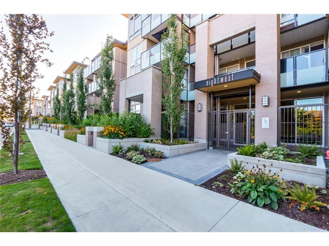 "Main Photo: 106 55 EIGHTH Avenue in New Westminster: GlenBrooke North Condo for sale in ""EIGHTHWEST"" : MLS® # R2028474"