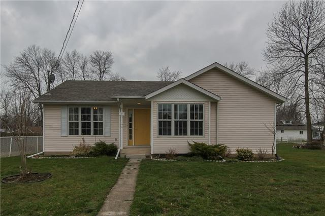 Main Photo: 327 Ridgeway Road in Fort Erie: House (Bungalow) for sale : MLS(r) # X3454625