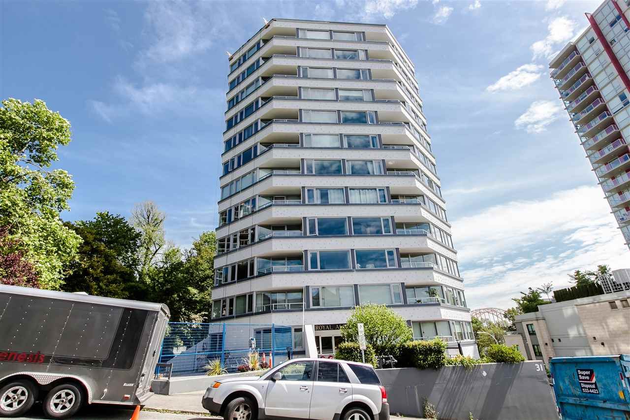"Main Photo: 1101 31 ELLIOT Street in New Westminster: Downtown NW Condo for sale in ""ROYAL ALBERT TOWERS"" : MLS® # R2068328"