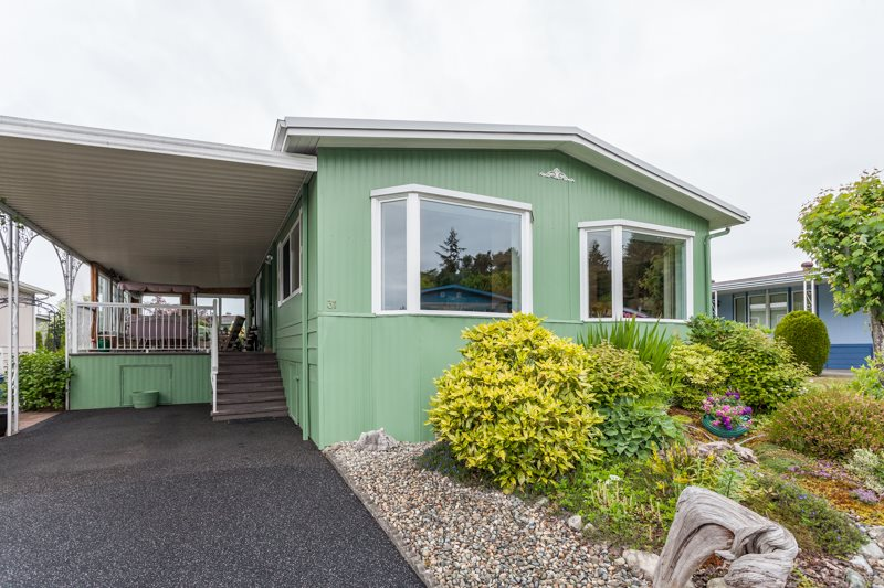 "Main Photo: 31 1640 162 Street in Surrey: King George Corridor Manufactured Home for sale in ""CHERRY BROOK PARK"" (South Surrey White Rock)  : MLS®# R2070521"