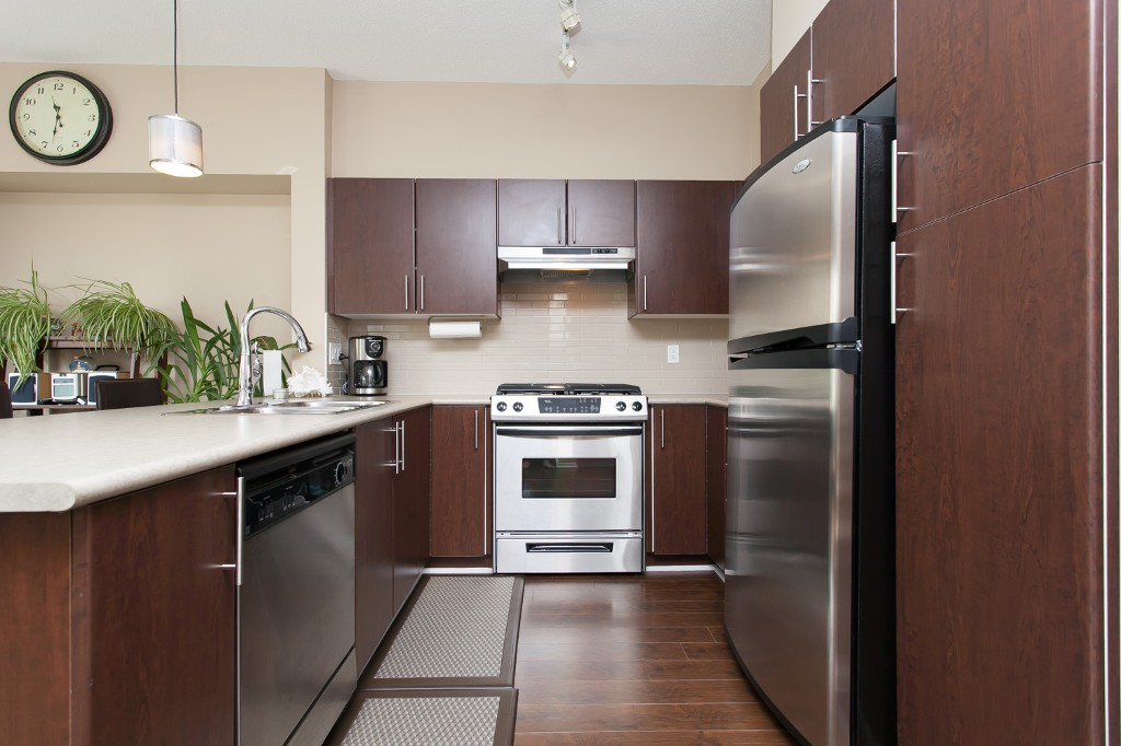 "Photo 8: 92 15152 62A Avenue in Surrey: Sullivan Station Townhouse for sale in ""Uplands at Panorama Place"" : MLS® # R2072531"