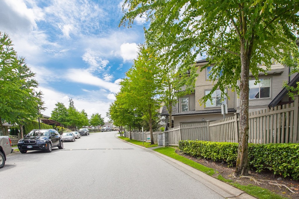 "Photo 38: 92 15152 62A Avenue in Surrey: Sullivan Station Townhouse for sale in ""Uplands at Panorama Place"" : MLS(r) # R2072531"