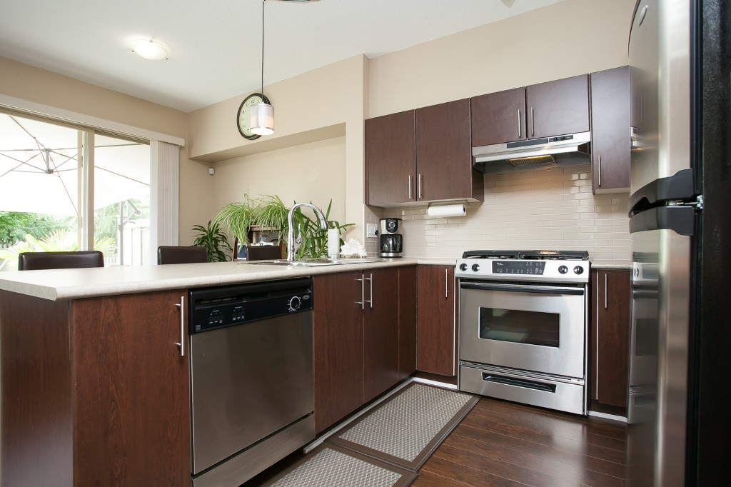 "Photo 10: 92 15152 62A Avenue in Surrey: Sullivan Station Townhouse for sale in ""Uplands at Panorama Place"" : MLS® # R2072531"