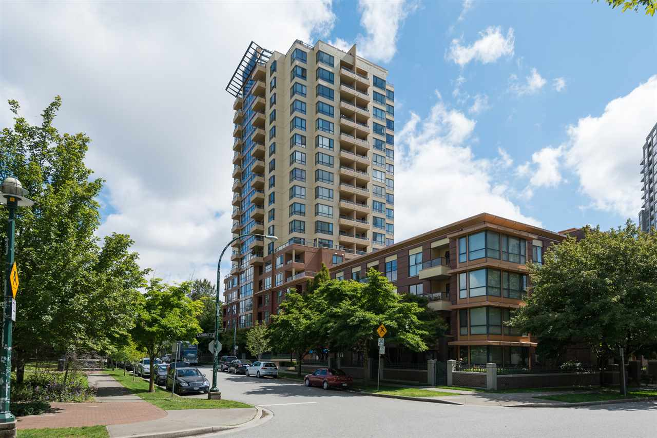 "Photo 1: 1509 5288 MELBOURNE Street in Vancouver: Collingwood VE Condo for sale in ""Emerald Park Place"" (Vancouver East)  : MLS(r) # R2092306"
