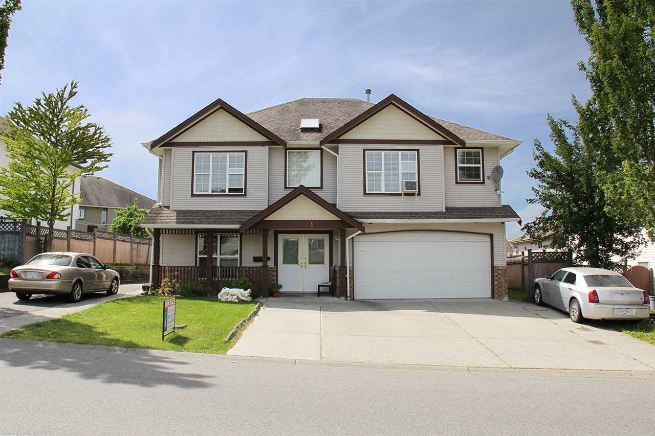Main Photo: 3631 HOMESTEAD Crescent in Abbotsford: Abbotsford West House for sale : MLS®# R2102056