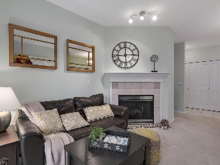 "Main Photo: 301 2755 MAPLE Street in Vancouver: Kitsilano Condo for sale in ""THE DAVENPORT"" (Vancouver West)  : MLS® # R2122011"