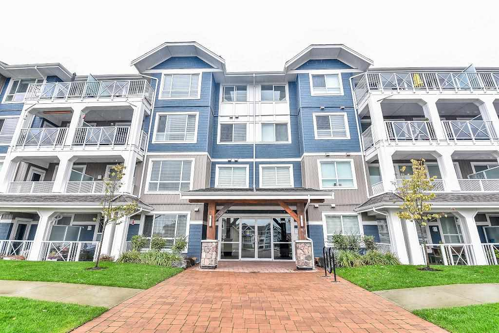 "Main Photo: 201 16396 64 Avenue in Surrey: Cloverdale BC Condo for sale in ""The Ridge at Bose Farm"" (Cloverdale)  : MLS® # R2132431"