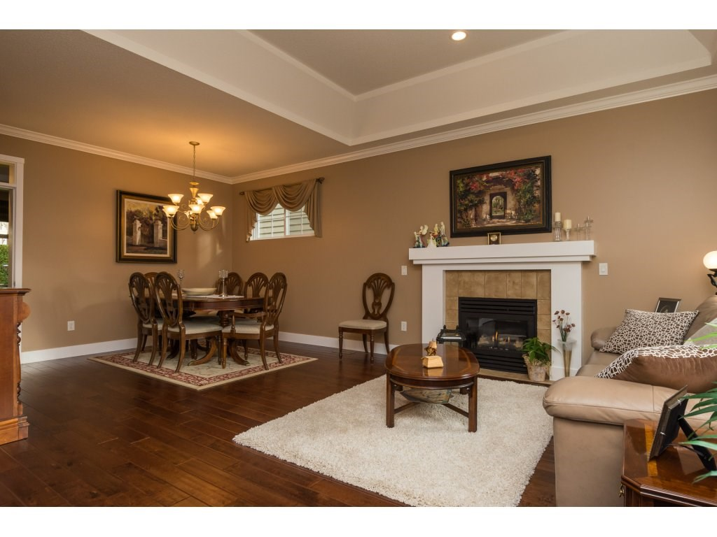 "Photo 3: 31 15450 ROSEMARY HEIGHTS Crescent in Surrey: Morgan Creek Townhouse for sale in ""THE CARRINGTON"" (South Surrey White Rock)  : MLS(r) # R2133109"
