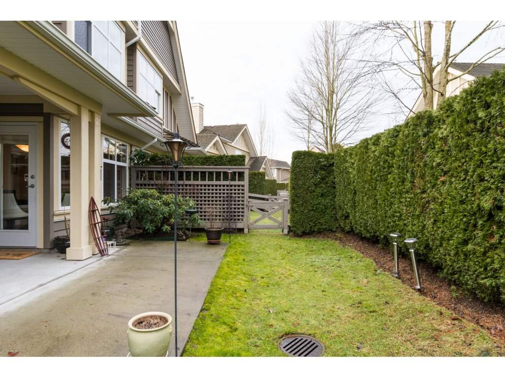 "Photo 2: 31 15450 ROSEMARY HEIGHTS Crescent in Surrey: Morgan Creek Townhouse for sale in ""THE CARRINGTON"" (South Surrey White Rock)  : MLS(r) # R2133109"
