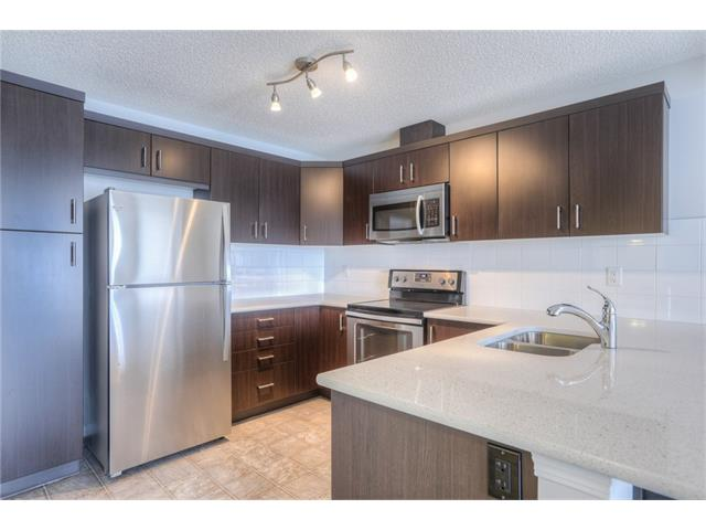 Photo 8: 151 WINDFORD Crescent SW: Airdrie House for sale : MLS® # C4097236