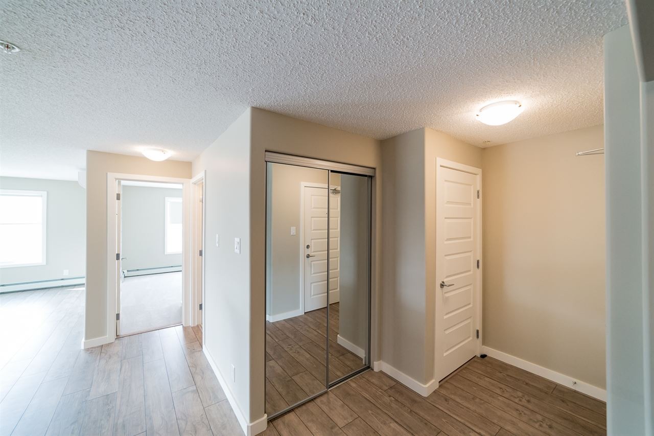 Photo 4: 322 4008 Savaryn Drive in Edmonton: Zone 53 Condo for sale : MLS® # E4057076