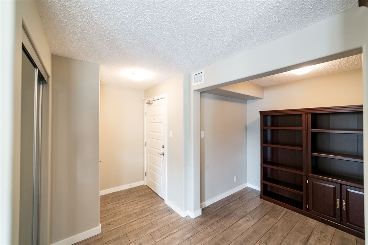 Photo 2: 322 4008 Savaryn Drive in Edmonton: Zone 53 Condo for sale : MLS® # E4057076