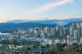 "Main Photo: 802 2483 SPRUCE Street in Vancouver: Fairview VW Condo for sale in ""Skyline"" (Vancouver West)  : MLS® # R2151780"