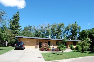 Main Photo: 18 VILLAGE Court: Sherwood Park House for sale : MLS(r) # E4061631