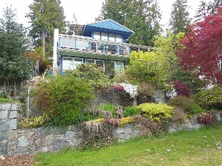 Main Photo: 4559 PROSPECT Road in North Vancouver: Upper Delbrook House for sale : MLS(r) # R2166251