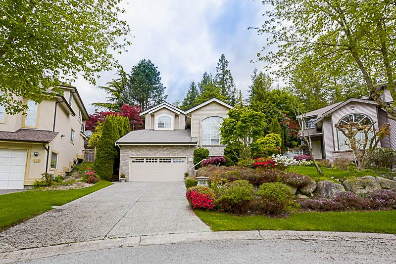 "Main Photo: 114 PARKSIDE Drive in Port Moody: Heritage Mountain House for sale in ""Heritage Mountain"" : MLS(r) # R2169340"
