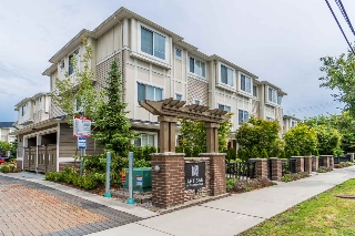 "Main Photo: 3 9811 FERNDALE Road in Richmond: McLennan North Townhouse for sale in ""ARTISAN"" : MLS(r) # R2179561"