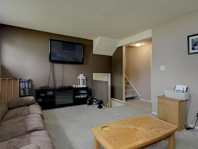 Photo 19: 1042 82 Street in Edmonton: Zone 29 House for sale : MLS® # E4076942