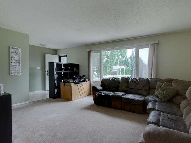 Photo 5: 1042 82 Street in Edmonton: Zone 29 House for sale : MLS® # E4076942