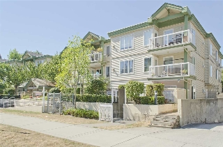 "Main Photo: 206 10665 139 Street in Surrey: Whalley Condo for sale in ""CRESTVIEW COURT"" (North Surrey)  : MLS®# R2201139"