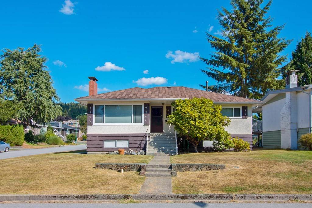 Main Photo: 830 EVERETT Crescent in Burnaby: Sperling-Duthie House for sale (Burnaby North)  : MLS®# R2202040