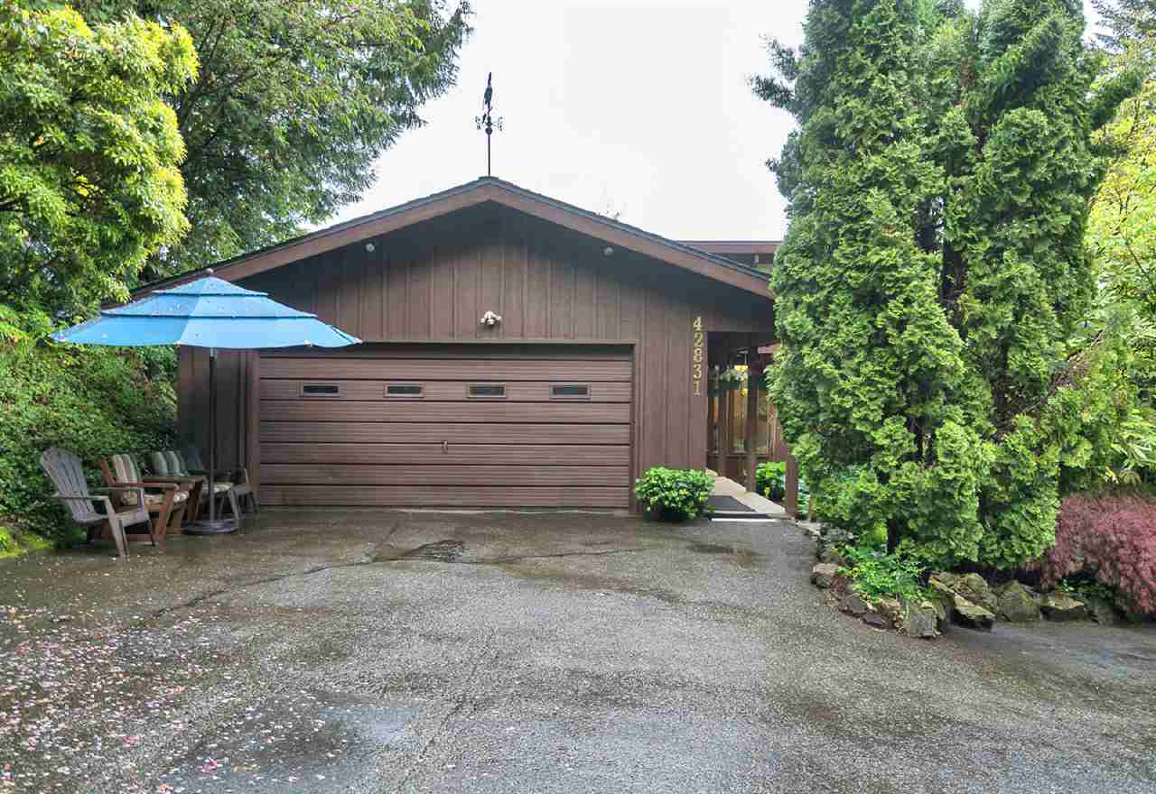 "Main Photo: 42831 OLD ORCHARD Road in Chilliwack: Chilliwack Mountain House for sale in ""CHILLIWACK MOUNTAIN"" : MLS® # R2202760"