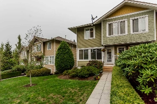 "Main Photo: 7 6110 138 Street in Surrey: Sullivan Station Townhouse for sale in ""Seneca Woods"" : MLS® # R2204599"