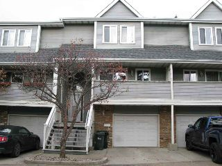 Main Photo: 521 WOODBRIDGE Way: Sherwood Park Townhouse for sale : MLS® # E4085476