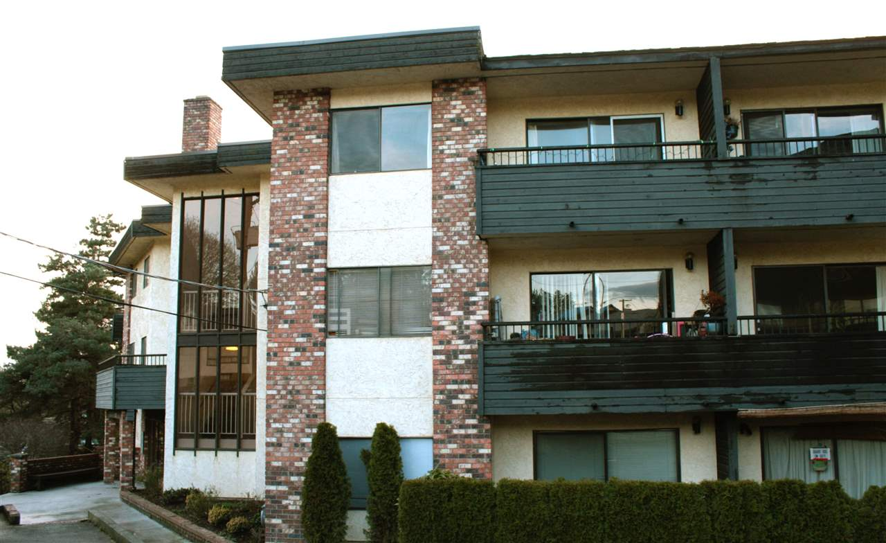"Photo 5: Photos: 219 2551 WILLOW Lane in Abbotsford: Central Abbotsford Condo for sale in ""Valley View Manor"" : MLS® # R2217893"