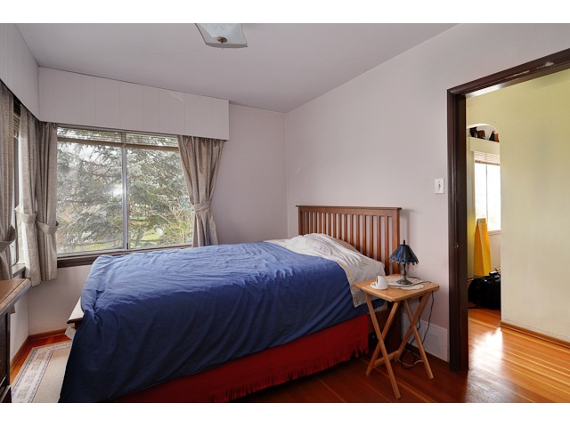 "Photo 4: 3551 WALKER ST in Vancouver: Grandview VE House for sale in ""TROUT LAKE"" (Vancouver East)  : MLS(r) # V875248"