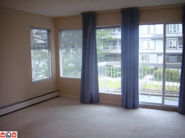 Photo 3: 202 1860 E SOUTHMERE Crest in Surrey: Sunnyside Park Surrey Condo for sale (South Surrey White Rock)  : MLS® # F1201841