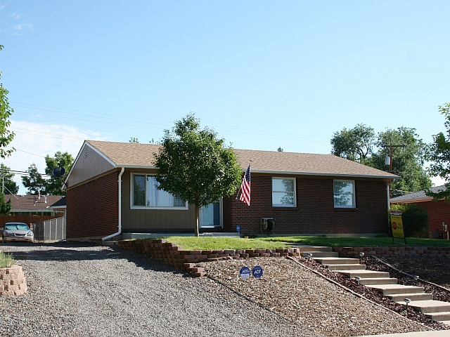 Main Photo: 1061 East 83rd Place in Denver: House for sale : MLS® # 1112370