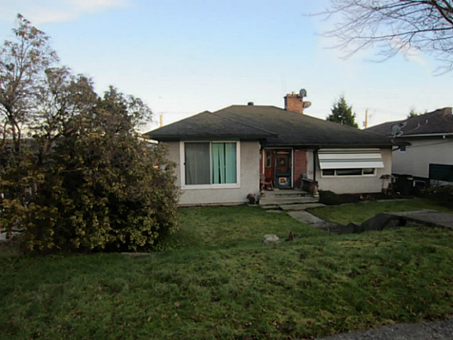 Main Photo: 554 AMESS Street in New Westminster: The Heights NW House for sale : MLS® # V1096100