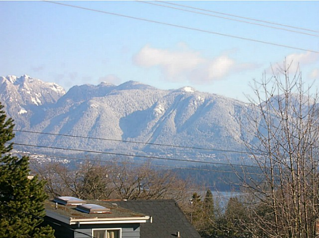 "Main Photo: 4153 W 13TH Avenue in Vancouver: Point Grey House for sale in ""POINT GREY"" (Vancouver West)  : MLS® # V1098359"