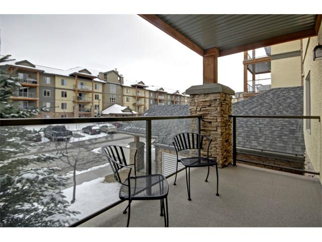 Main Photo: 2201 92 CRYSTAL SHORES Road: Okotoks Condo for sale : MLS(r) # C4002009