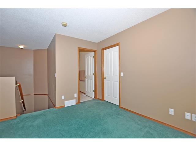 Photo 12: 339 MT DOUGLAS Manor SE in Calgary: McKenzie Lake House for sale : MLS(r) # C4003534