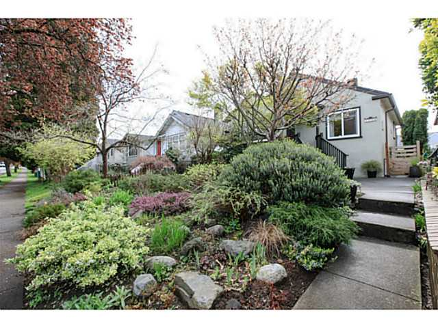 Main Photo: 3036 E 17TH Avenue in Vancouver: Renfrew Heights House for sale (Vancouver East)  : MLS®# V1114897