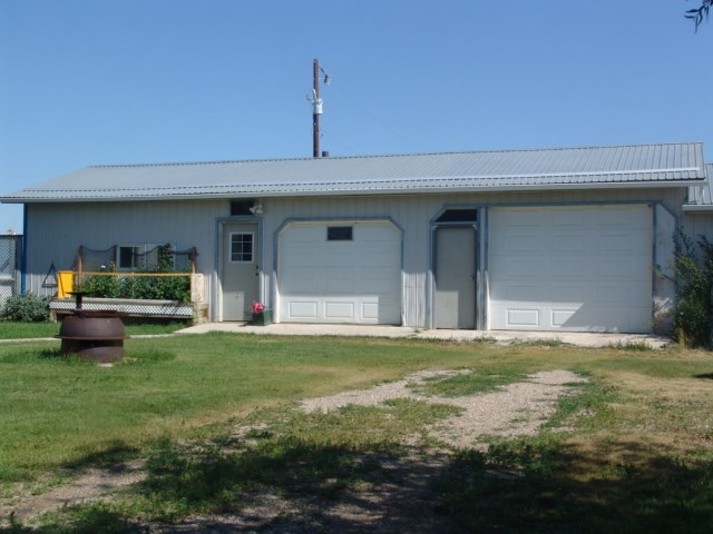 Photo 3: 251077 MINUTES NORTH WEST OF STRATHMORE: Rural Wheatland County House for sale : MLS® # C4019195