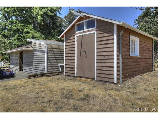 Photo 16: 300 Kenning Court in VICTORIA: Co Lagoon Single Family Detached for sale (Colwood)  : MLS® # 353425