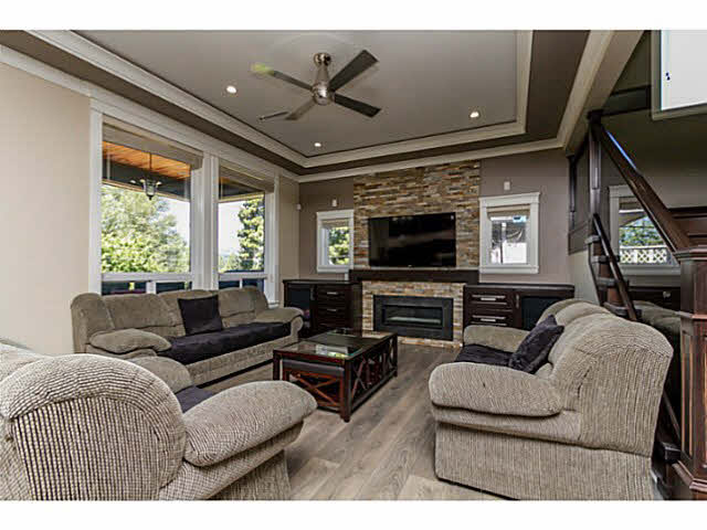 Photo 10: 9259 HOLMES Street in Burnaby: The Crest House for sale (Burnaby East)  : MLS® # V1139798