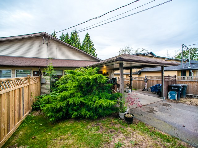 Main Photo: 5445 MANOR Street in Burnaby: Central BN House 1/2 Duplex for sale (Burnaby North)  : MLS(r) # R2083747