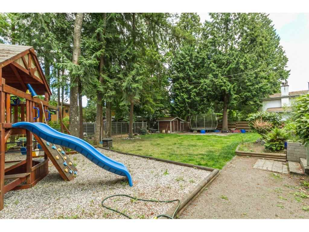 "Photo 16: 20540 46 Avenue in Langley: Langley City House for sale in ""Mossey Estates"" : MLS® # R2093115"