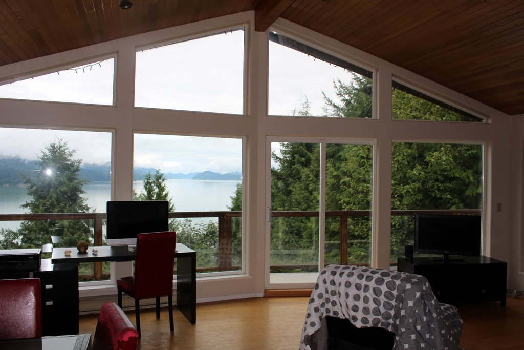 "Main Photo: 5926 SANDYHOOK Road in Sechelt: Sechelt District House for sale in ""SANDY HOOK"" (Sunshine Coast)  : MLS® # R2105725"