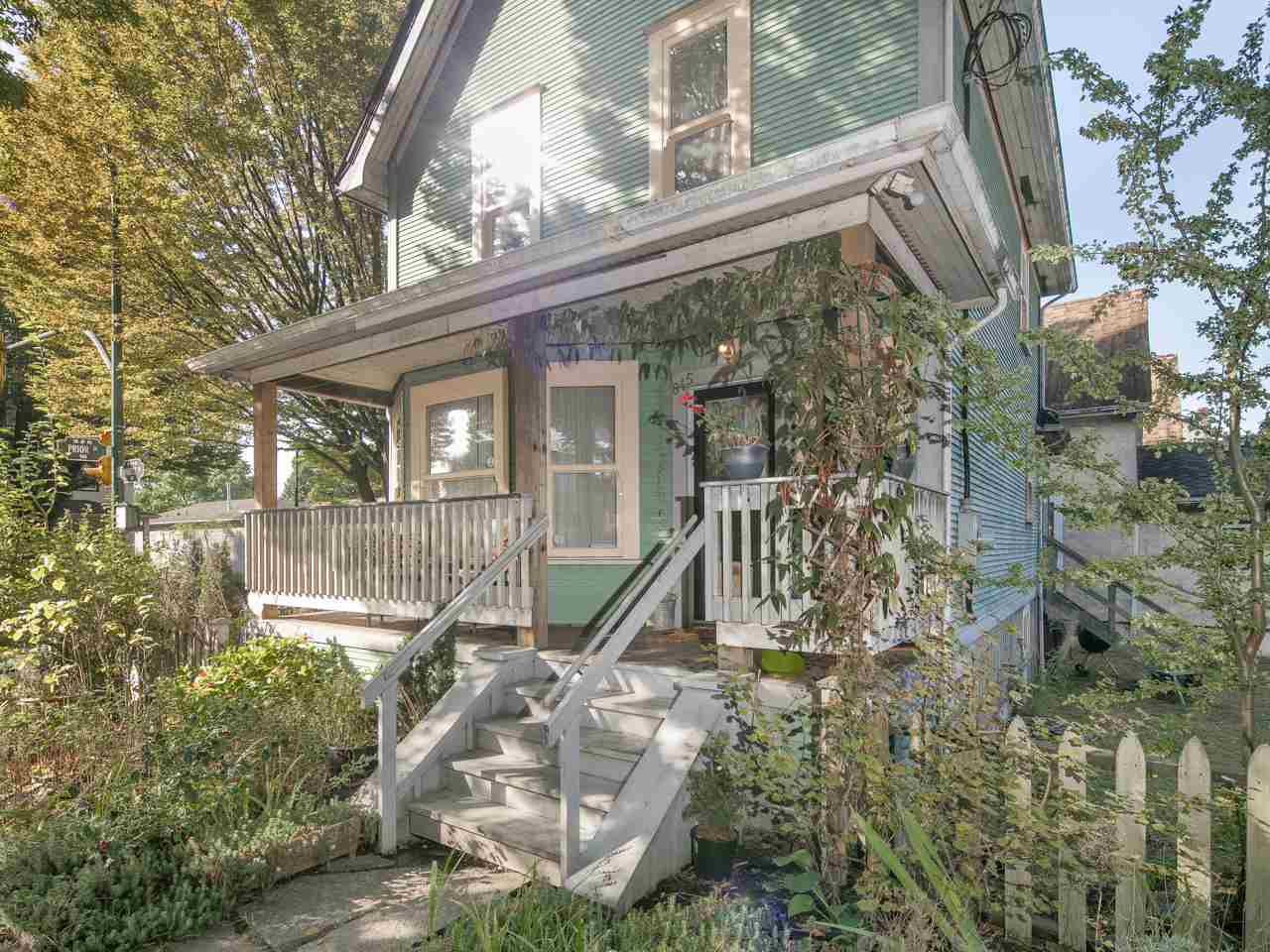 Photo 1: 845 PRINCESS Avenue in Vancouver: Mount Pleasant VE House for sale (Vancouver East)  : MLS(r) # R2113640