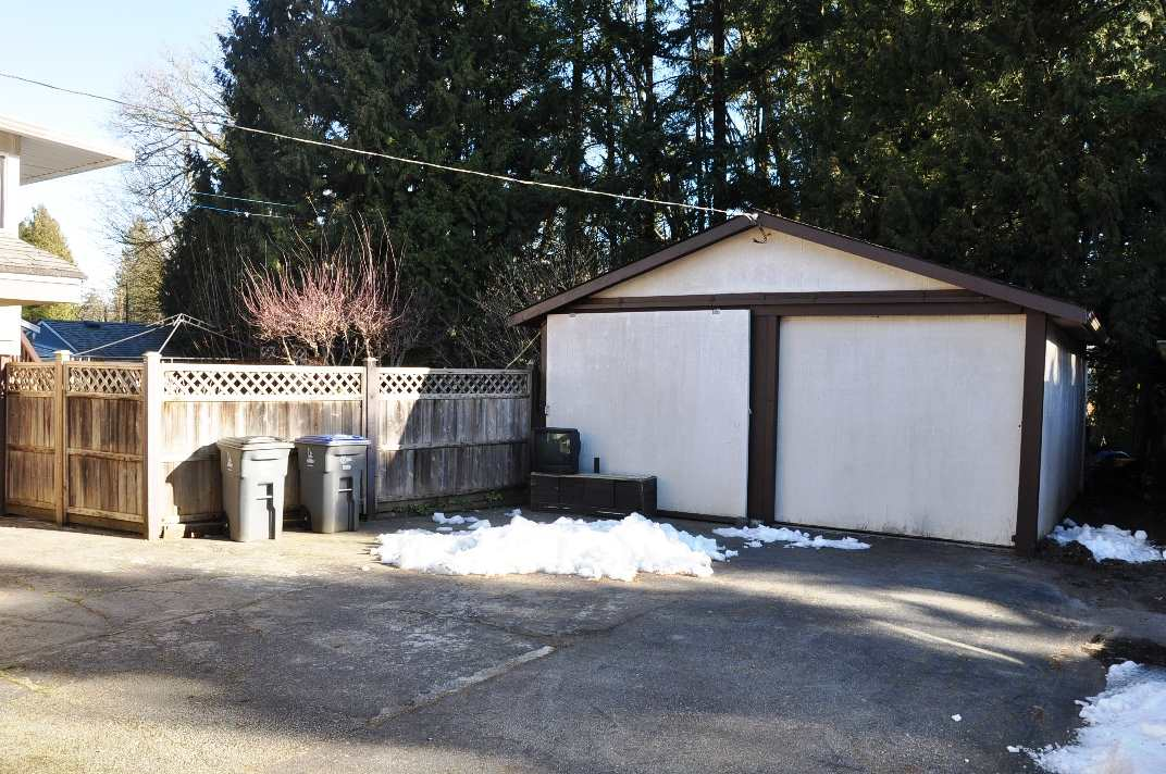 Photo 2: 10942 143A Street in Surrey: Bolivar Heights House for sale (North Surrey)  : MLS® # R2137255