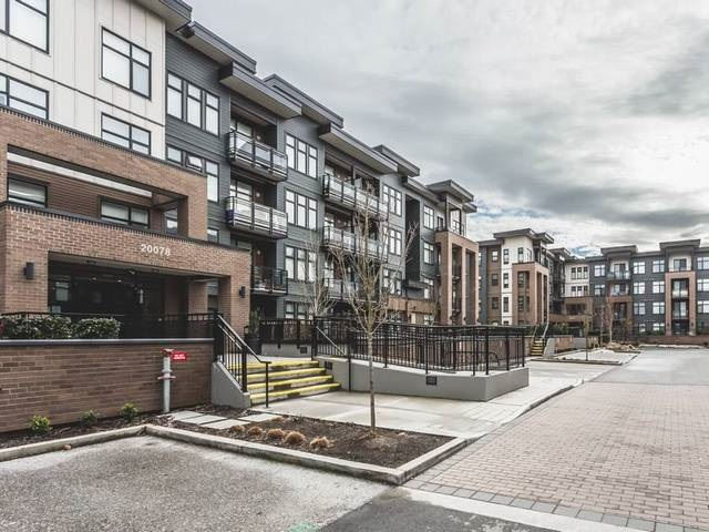 "Main Photo: 414 20078 FRASER Highway in Langley: Langley City Condo for sale in ""VARSITY"" : MLS® # R2139930"